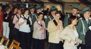 2005-koenigsball-weinpolonaise-offiziere