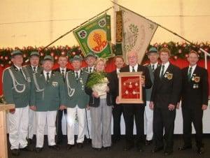 Sommerfest-2005-ehrungen-gruppe