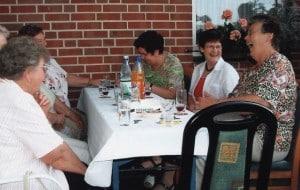 2007-bogen-nachbarfrauen