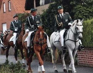2007-kaiser-alt-ausholen-offiziere