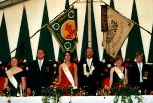 Schuetzenfest-2002-thron
